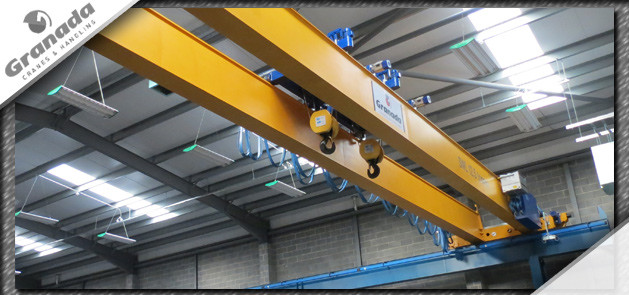 Dual hoist double girder crane for the aviation industry