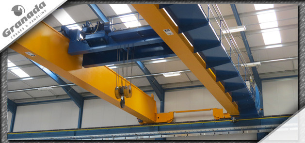 Open barrell hoist unit on a 70 tonne gantry crane